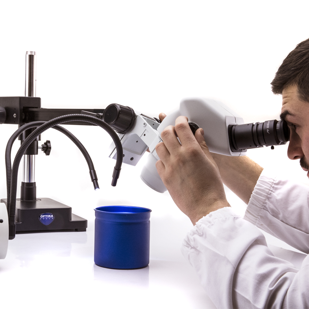 Statyw wysięgnikowy do mikroskopu stereoskopowego